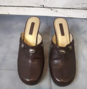 Unisa/ Brown leather clogs mules/ Size 8